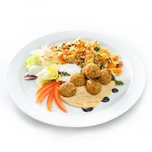 Falafelbällchen mit CousCous + Minz-Joghurt
